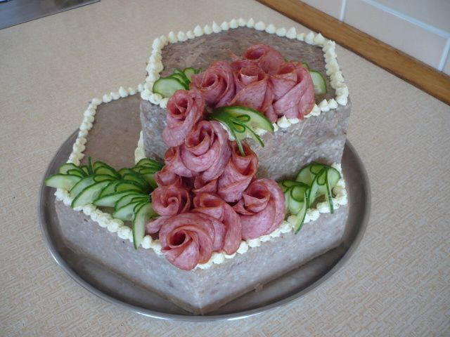 ** Salámový dort **