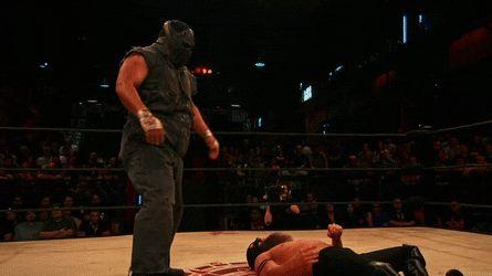 Matanza's standing moonsault headbutt and shooting star press combo! [Lucha Underground]