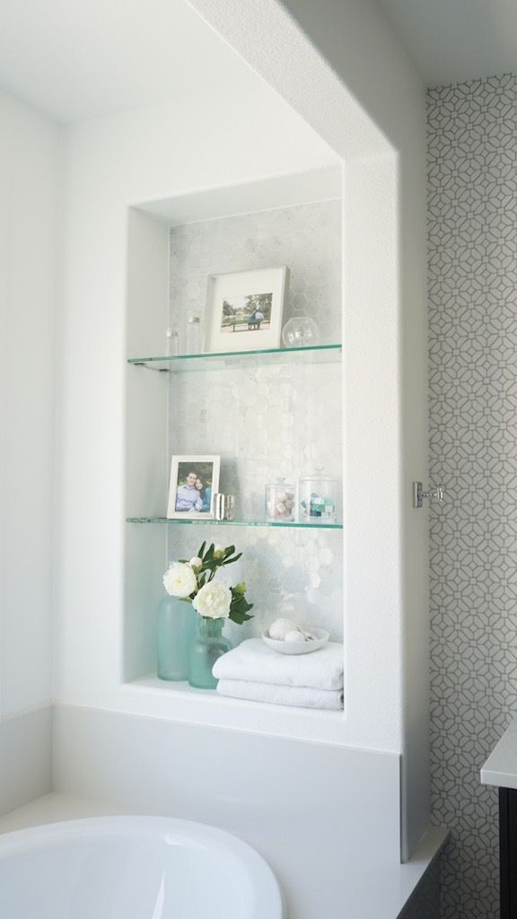 Eggshell Home - Master Bathroom Marble Tile Niche, Glass Shelves Bath Decor. Click to see more on the blog. Benjamin Moore Chantilly Lace.