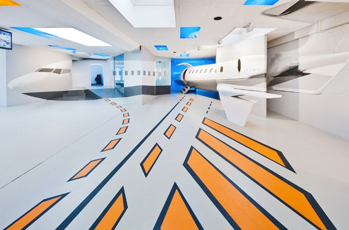 Even those who are afraid of flying might enjoy the experience of piloting a Boeing 737 at the simmINN Flight Simulation Center in Stuttgart, Germany.