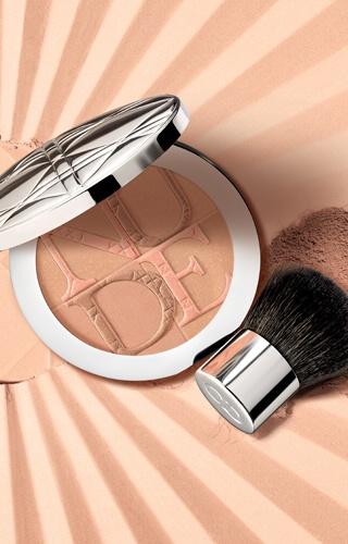 Dior MakeUp. Summer Look Croisette. Diorskin Nude Tan. Discover more on www.dior-backstage-makeup.com