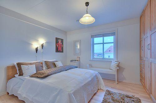 Oltre 1000 idee su rinnovare la camera da letto su for Cameretta 3x3