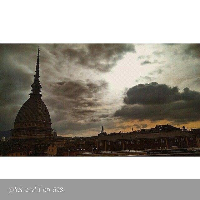 #Torino raccontata dai cittadini per #inTO  Foto di kei_e_vi_i_en_593 #kcb1106 #Mole #MoleAntonelliana #vscocam vscoaward #Torino #Italia #italy #ig_turin #ig_torino #ig_piemonte#photooftheday #instalike #instadaily #italiapm #Great_captures_italia #inTo