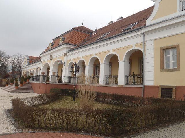 A Teleki-Wattay kastély épülete Pomáz, Hungary