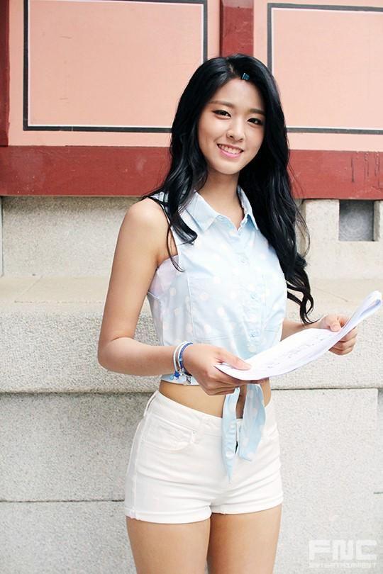 [KPop Goddess] 6 stunning pics of AOA's Seolhyun