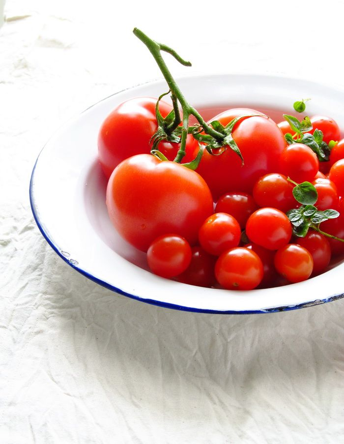 Al Dente Gourmet: Oh Happy Plates Group : : Lets Play with Tomatoes {food styling project}