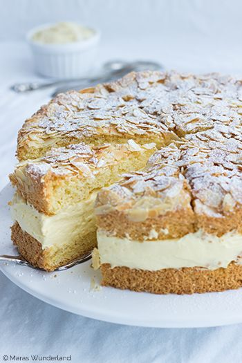 Easy peasy German Bee Sting Cake (scroll down for English)