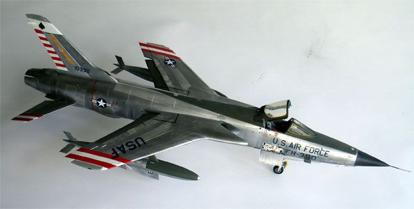 F 105d Thunderchief Model 1 32 Model Fighter Jets Fighter