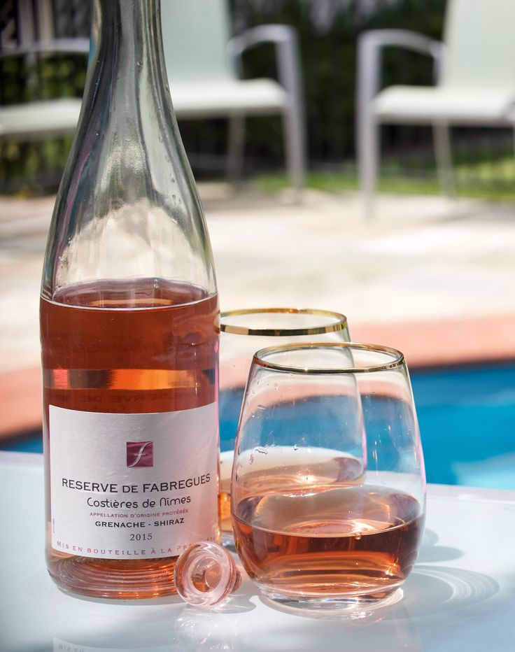 French Rosé Aussie style - by the pool #wine #rosé