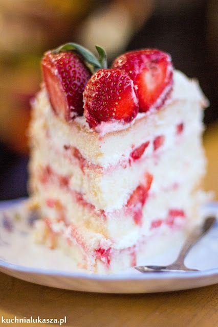 Tort urodzinowy z truskawkami
