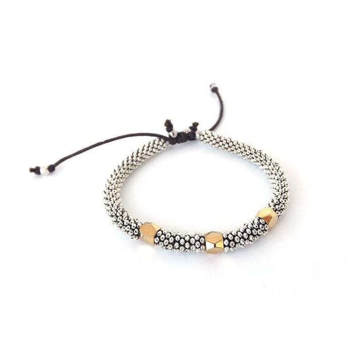 Bracelet pour femme wellDunn- Argon  Billes tibétaines - prisme doré - fil de coton  24,00$