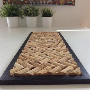 DIY trivet - www.pierrepapierciseaux.be Even better if you use an old kitchen cupboard door to make this!