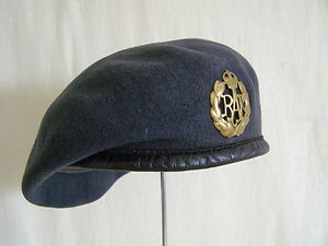 91f81712 WWII BRITISH RAF REGIMENT ISSUE BLUE BERET   Chapeaux   Military beret,  Royal air force, Air force