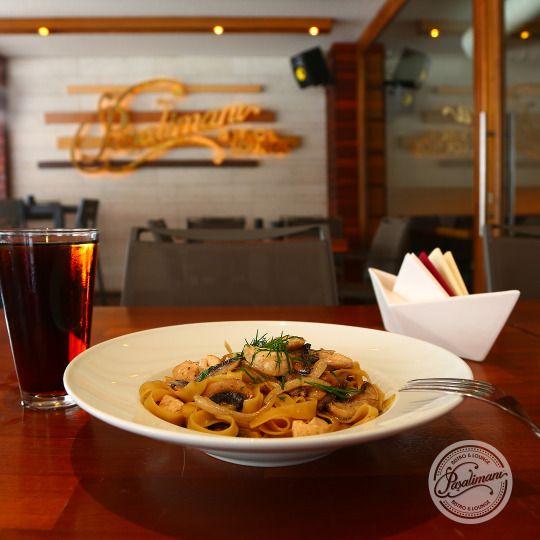 TAVUKLU ALFREDO Sote mantar ve tavuk, soğan, krema ve beyaz şarap soslu 'ev yapımı' fettuccine. #tavuklualfredo