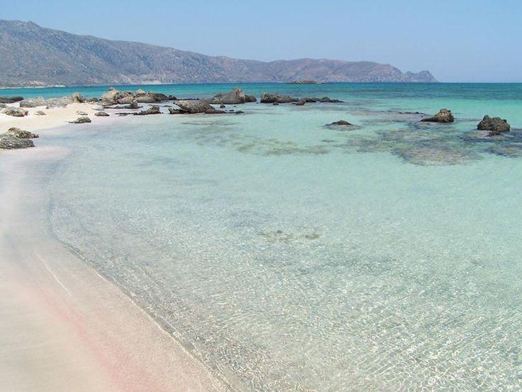 Le acque cristalline di Elafonissi, una delle spiagge più belle di Creta