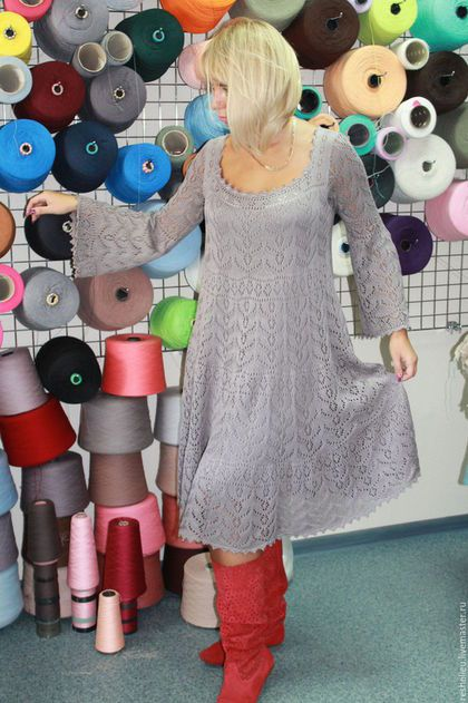 Купить или заказать Платье #85 вязаное из 100% итальянского хлопка в интернет-магазине на Ярмарке Мастеров. Платье вязаное из 100% итальянского хлопка. Модель - крестьянка.