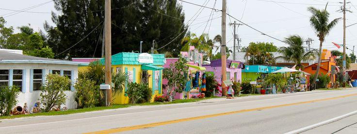 26.628785,-82.071401  Matchala Artist Community on Pine Island  Florida Keys