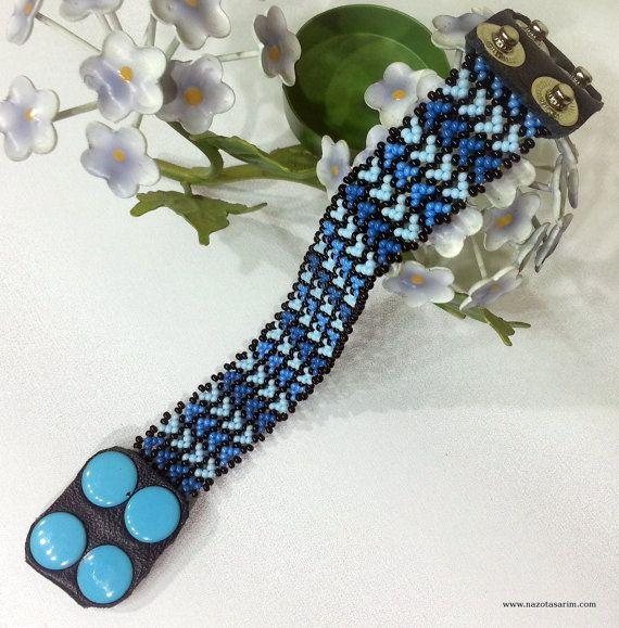 Peyote Dorado Mexican Beaded BraceletColorful beaded by NazoDesign
