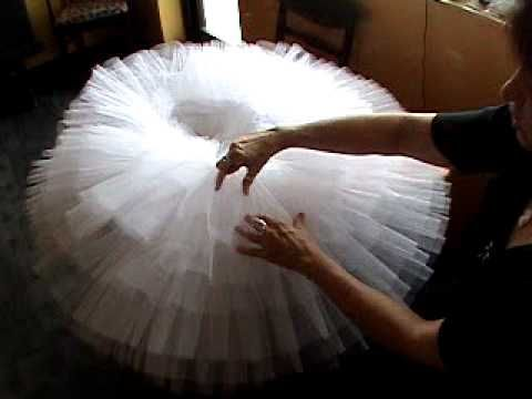 Disclaimer ** the older ladies in this video are soooooo cuuuute*  How to make a Pancake /  Russian tutu without wires (but you need a hoop..!?)