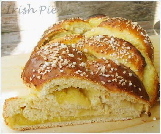 Bread plait with marzipan filling / Hefezopf mit Marzipanfüllung