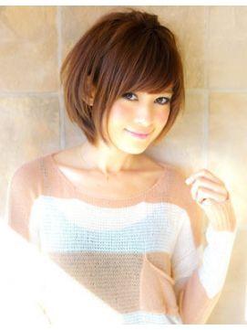 アフロート ジャパン AFLOAT JAPAN前髪と顔まわりでみせる丸顔でも絶対小顔ショートヘア