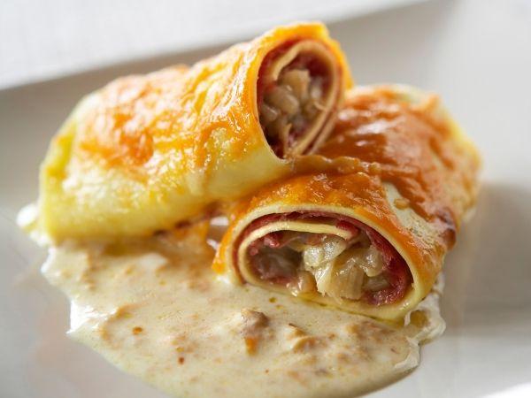 Een Vlaamse variatie op de klassieke cannelloni - Libelle Lekker! -> gemaakt en goedgekeurd ! (gemaakt met kaassausje en veggie soyareepjes ipv hesp)