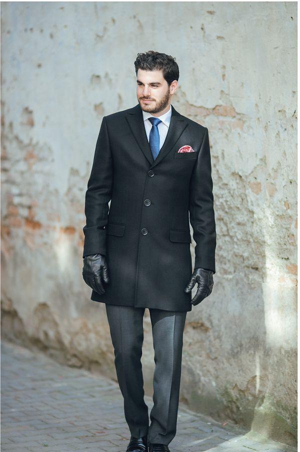 Palton elegant cu rever ascutit: SAPOLI