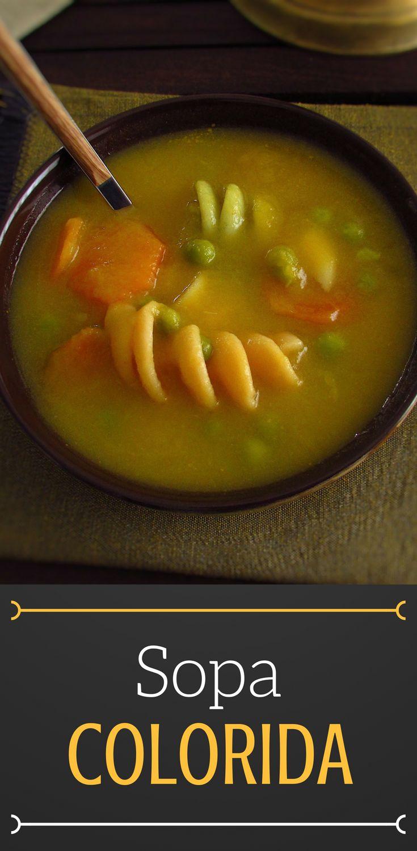 Sopa colorida | Food From Portugal. Uma sopa é sempre um prato rico em nutrientes e esta sopa colorida além de ser saudável tem também excelente apresentação! Prepare esta sopa para os seus filhos, eles vão adorar… #sopa #receita