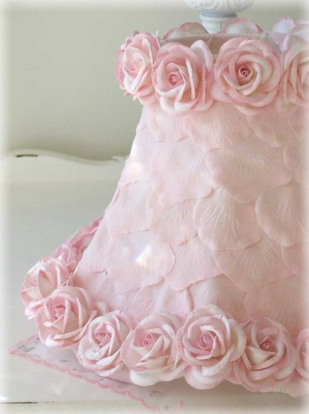 A Vintage Room | Lamp Shade with Pink Petals & Roses