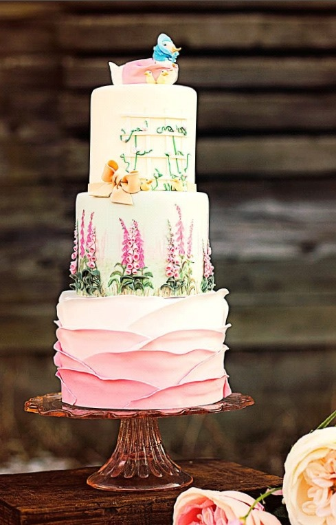 Beatrix Potter Jemima Puddle-Duck and ducklings baby cake.  This just may be my most favorite baby cake ever!  Brings back sweet memories of my first child's much drooled upon Puddle-Duck.