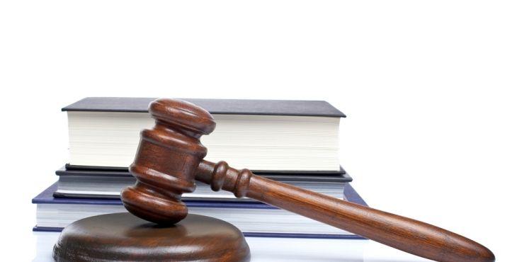 """Yargıtay'dan Elektrik Abonesine Kötü Haber Yargıtay 3. Hukuk Dairesi, kayıp-kaçak bedelinin davacı şirkete ödenmesine ilişkin davada, elektrik abonelerinin aleyhine önemli bir örnek karara imza attı.  Yargıtay, """"Kayıp-kaçak bedelinde geçmişe etkili yeni yasa çıktı; mahkemeler.. http://www.enerjicihaber.com/news.php?id=2085"""