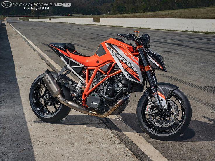 KTM Super Duke 1290 R: Nakedbike mạnh nhất của hãng môtô Áo