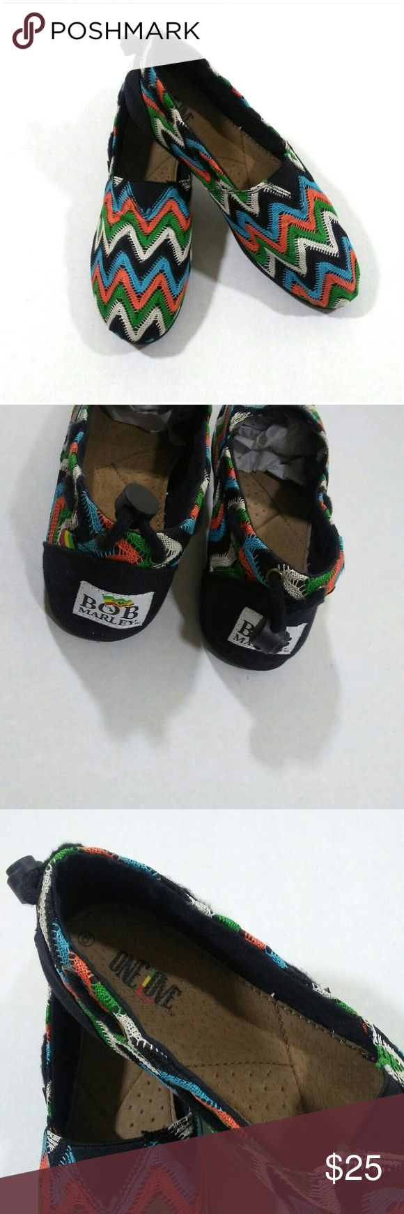 BOB MARLEY woven flats Bob Marley's Women Shoes styled like popular TOMS Bob Marley shoes are part of his woman's collection of eco-friendly rasta shoes with a slim, clean cut classic style. Slip on Size 8 Never worn No Box Bob Marley Shoes Flats & Loafers