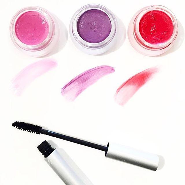 Si... Es cierto lo que dicen, esta semana tenemos una formación de maquillaje de manos de la mismísima @rosemarieswift si la misma que ha maquillado a @gisele o @mirandakerr y es también la fundadora de nuestra marca @rmsbeauty!!! Y sabéis lo mejor? A finales de mes haremos un taller de maquillaje en nuestra tienda para enseñaros lo aprendido! ¿A qué son buenas noticias?
