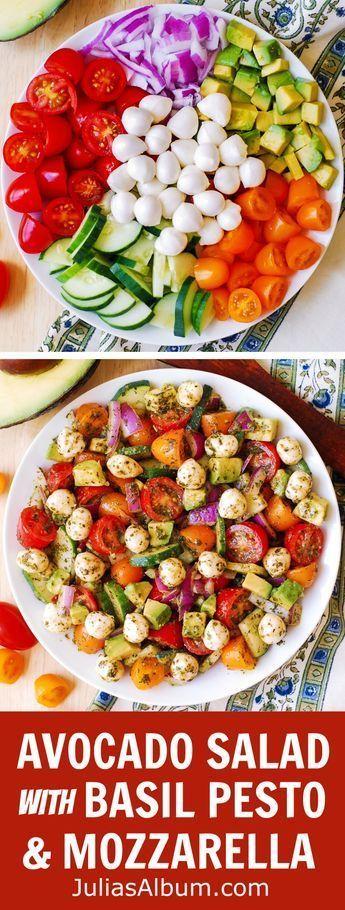 Avocado-Salat mit Mozzarella, Basilikumpesto, Tomaten, Gurken