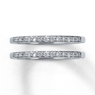I am dying for two wedding bands to compliment my gorgeous engagement ring :)