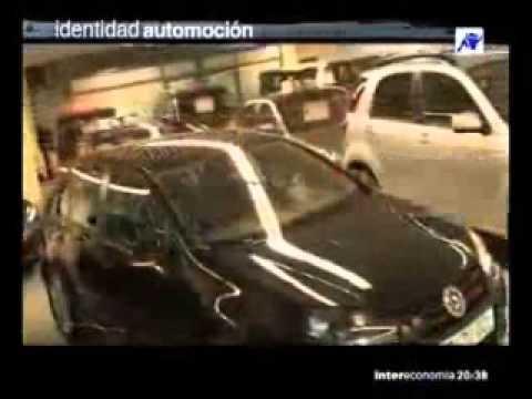 Reportaje televisivo qué analiza el concesionario RekordMotor, dedicado a la venta de coches de segunda mano, seminuevos y KM0, así como vehículos de importación y gerencia