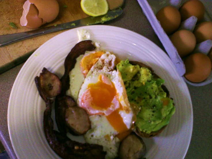 Nitrate free bacon and eggs with lemon and avocado   http://www.harveysgourmet.com.au/nitrate-free-bacon-eggs.aspx