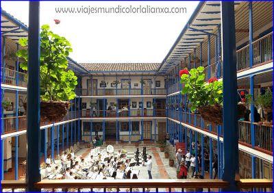 Viajes Mundicolor L´alianXa. Casa de la Cultura en Marsella Risaralda.