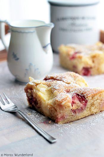 Erdbeer-Puddingkuchen vom Blech - Traybake Strawberry-VanillaPudding Cake