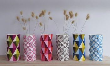 Geo Vases DIY paper craft by Ellen Giggenbach Décorer des pots avec des papiers colorés