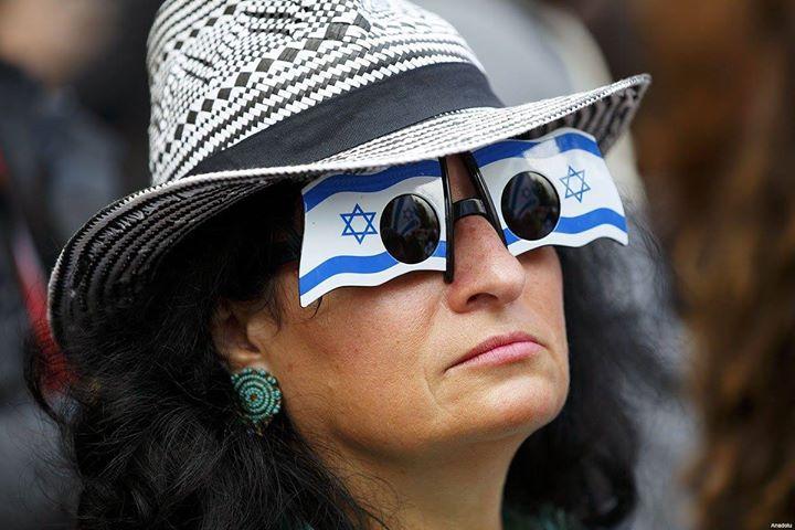 #Israel sigue siendo un estado sin fronteras declaradas; es el ocupante ilegal de tierras de otro pueblo cuyos derechos bajo la ocupación han sido pasados por alto en los últimos 49 años. Israel dice ser un estado democrático de estilo occidental pero sólo ciertos habitantes de la tierra que ha controlado desde 1967 básicamente toda la #Palestina histórica tienen derecho a votar en sus elecciones.   Fuente: http://ift.tt/2bO0tCt