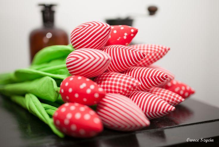 #owoceszycia Czerwone tulipany z materiału   red fabric tulips handmade by Owoce Szycia