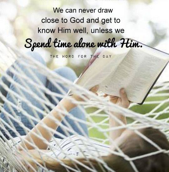 BIBLE READING, GIRL READING BIBLE, CHRISTIAN QUOTES