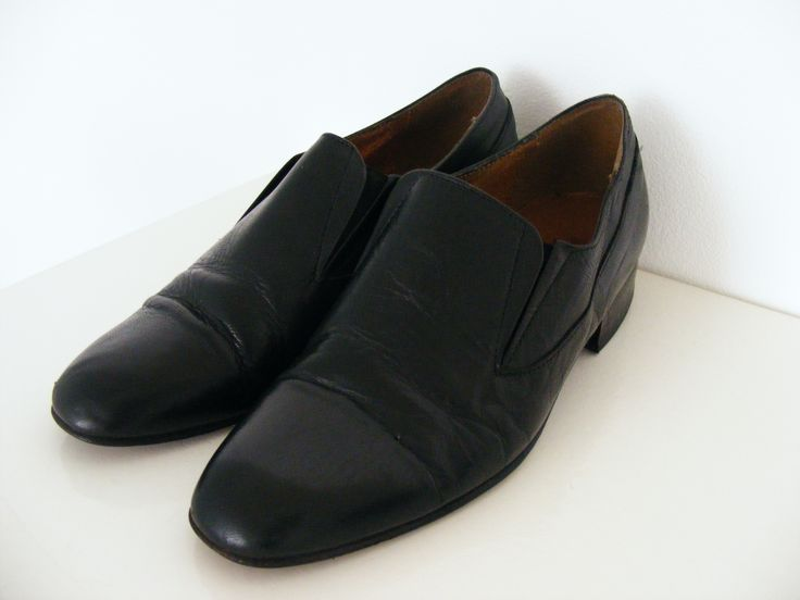 1970s leather boys shoes, to go with your androgyne suit <3