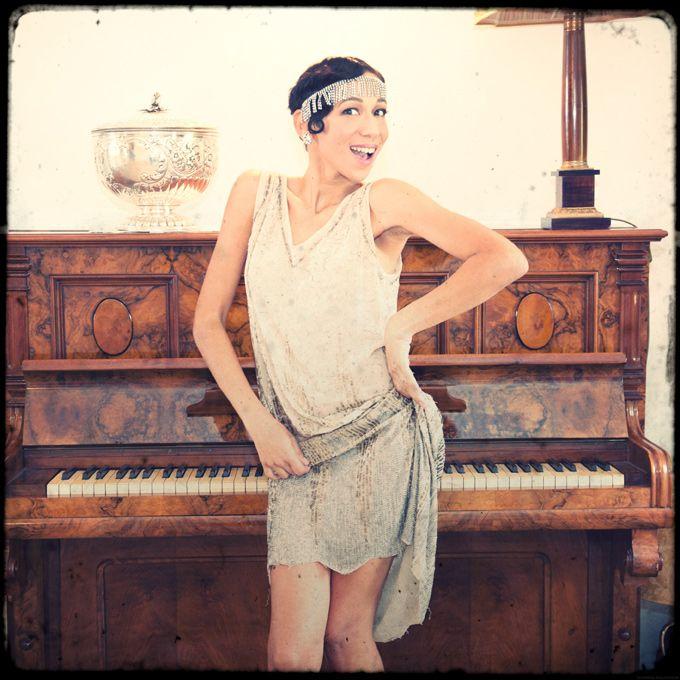 Flapper Girl...Les Folies Retro