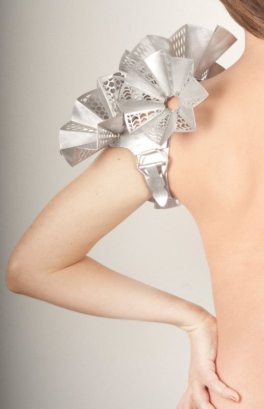 ELIZABETH WOLL-USA KitchenWear Shoulder PieceAluminum2009Elizabeth Woll