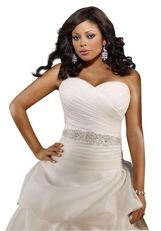 """Robe de mariée blanche ou ivoire """"Lovely"""" collection """"Jolies Formes"""" Longue robe…"""