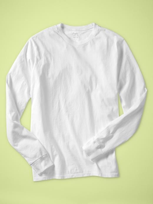 Gap Your layer T. Garment washed for everyday softness, more fitted in the chest and sleeve for updated style and easy layering.,Big & Tall Fit Guide Long sleeves with banded cuffs....