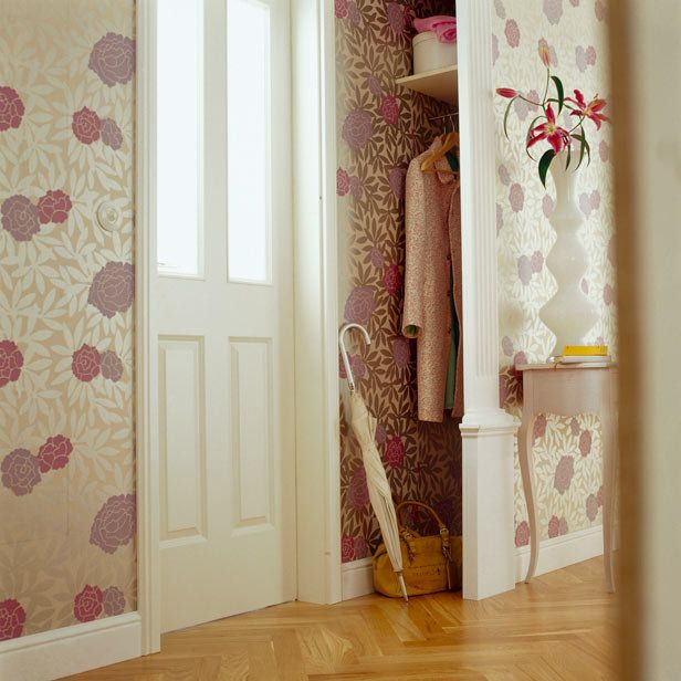 Love the #wallpaper in the closet!